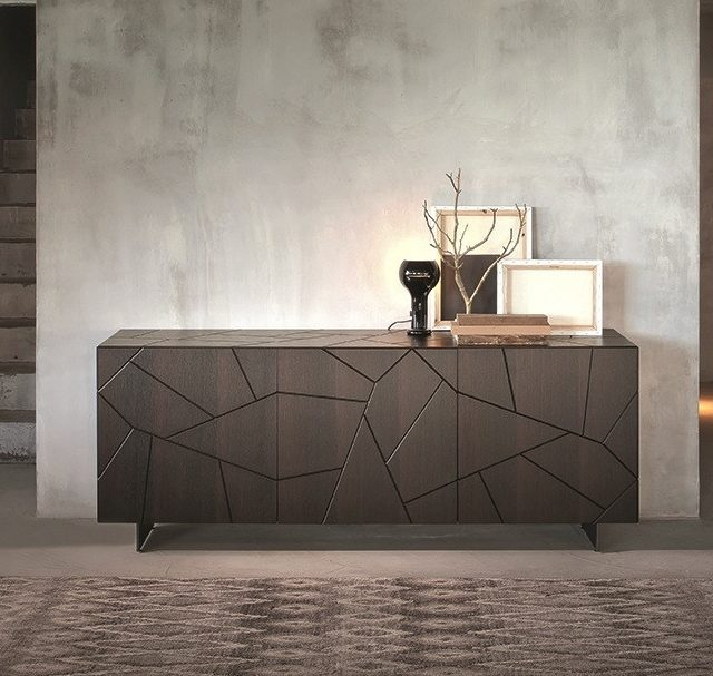 https://mobililionetto.it/wp-content/uploads/2021/09/SEGNO-S3-Sideboard-RIFLESSI-191266-vrel110bfb13-1-640x607.jpg